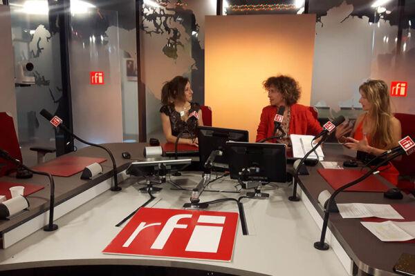 Christine Moussot, auteure, interviewée dans 7 milliards de voisins sur RFI par Emmanuelle Bastide
