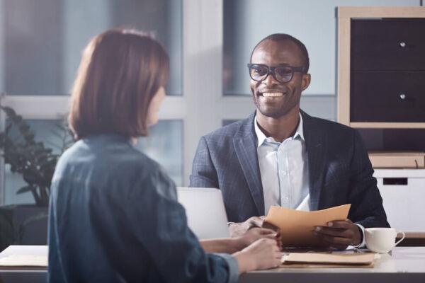 Formation demandeurs d'emploi : maîtrisez votre voix et votre langage non verbal pour réussir vos entretiens d'embauche - Expressions, organisme de formation professionnelle voix et communication orale non verbale